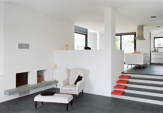 haus link/schimmelpfennigfŸnfzigmorgenkarlsruhe hohenwettersbachplanung:baurmann.dŸrr architektenfreie architekten bda dwbhirschstra§e 5376133 karlsruhetel:  0721/55123-0fax:  0721/55123-8www.archipool.de